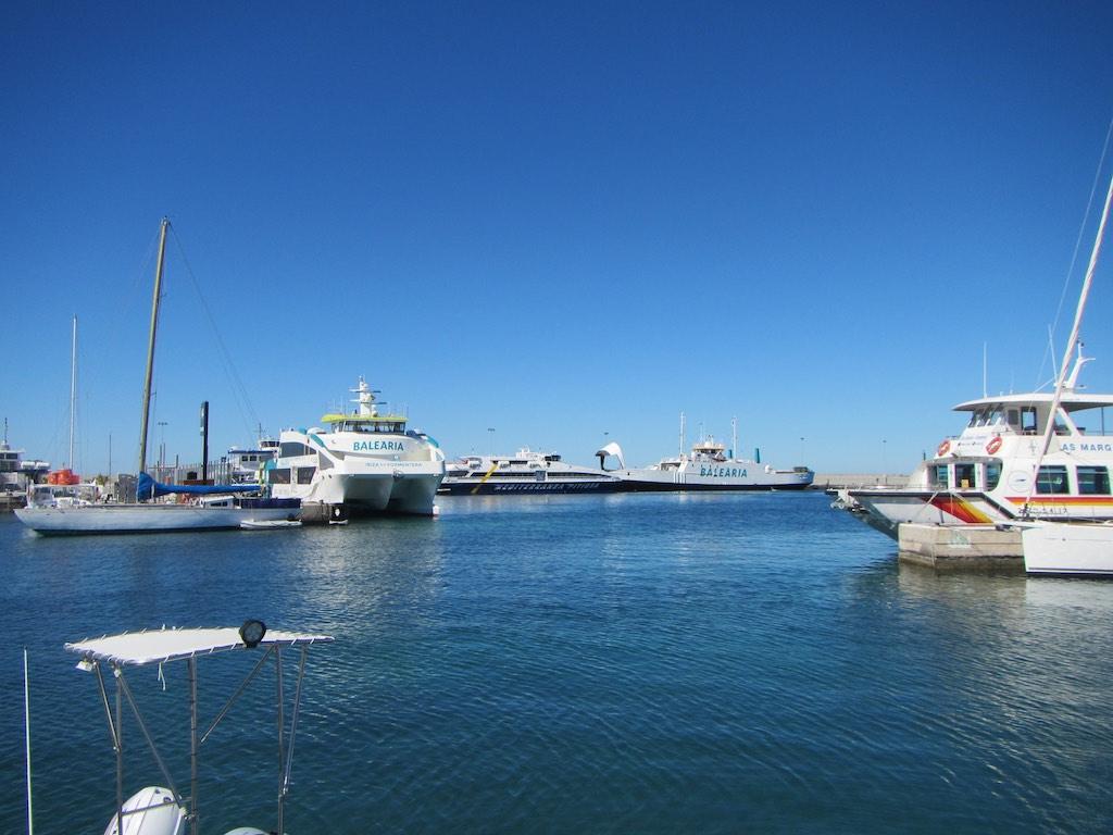 Fähren und nochmals Fähren