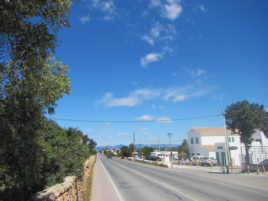 Strasse von der Hauptstadt nach Savina