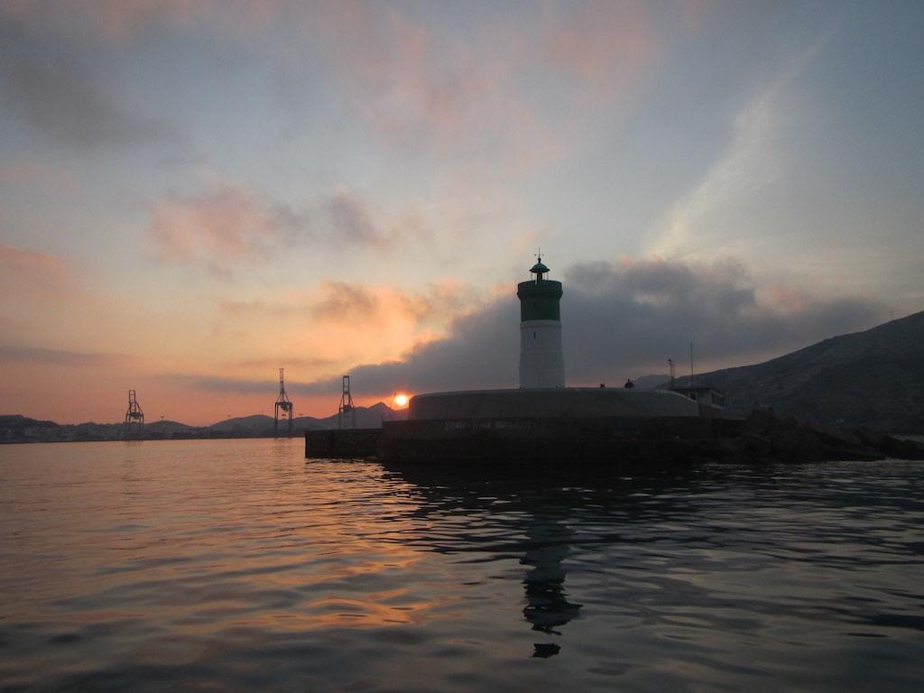 Sonnenaufgang im Hafen von Cartagena