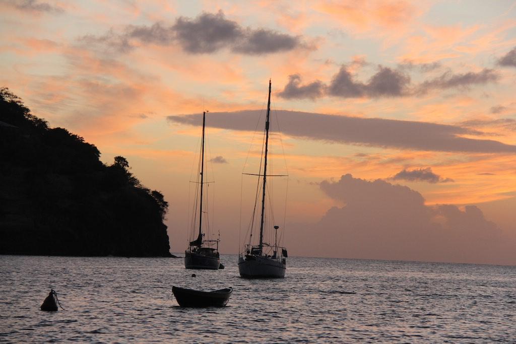 Die Sonne verschwindet in der Tyrrel Bay