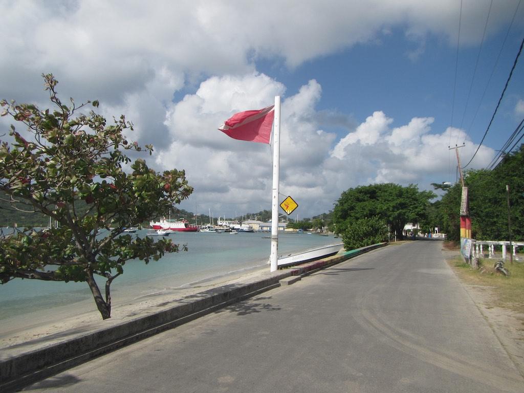 Promenade von Tyrrel Bay