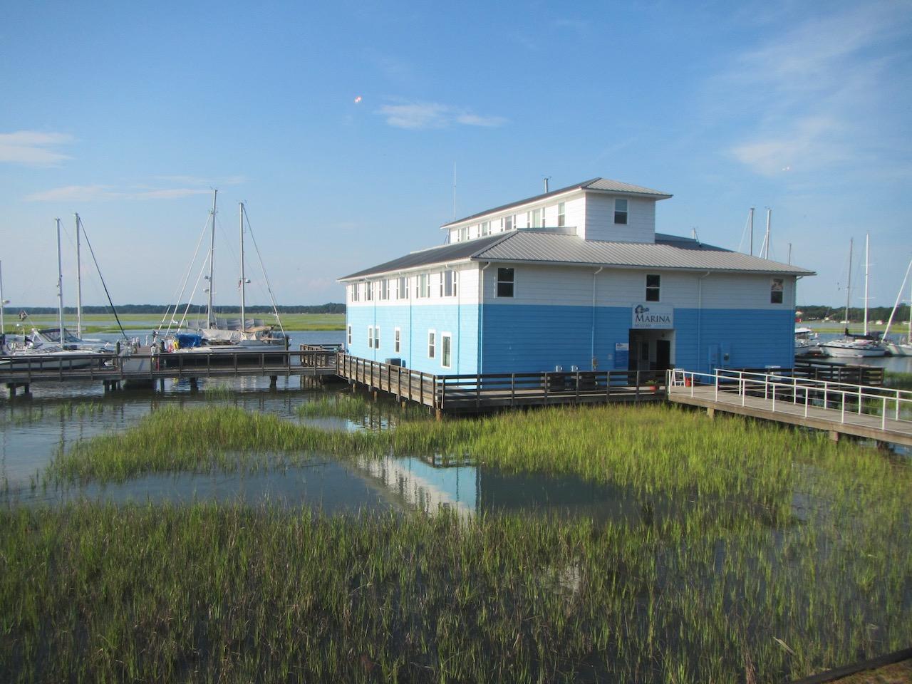 Die Lady's Island Marina mit unserem Platz